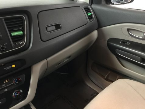 2015 Kia Sedona *Easy In-House Payments* | The Auto Cave in Addison, TX