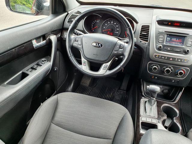"2015 Kia Sorento LX Convenience w/Heated Seats/17"" Aluminum Wheels in Louisville, TN 37777"