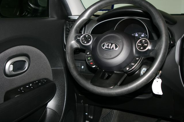 2015 Kia Soul Base Houston, Texas 12