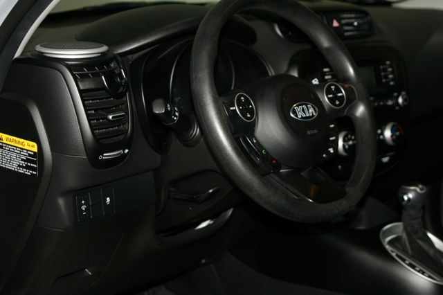 2015 Kia Soul Base Houston, Texas 19