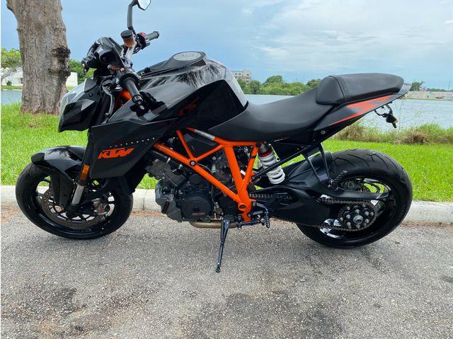 2015 Ktm 1290 Super Duke R ABS in Dania Beach , Florida 33004