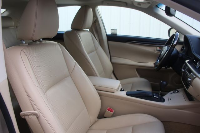 2015 Lexus ES 350 Houston, Texas 31