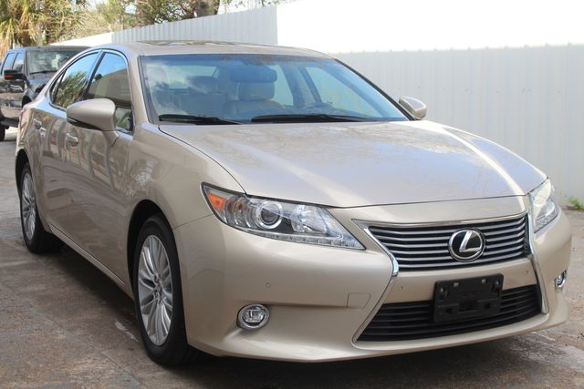 2015 Lexus ES 350 Houston, Texas 4