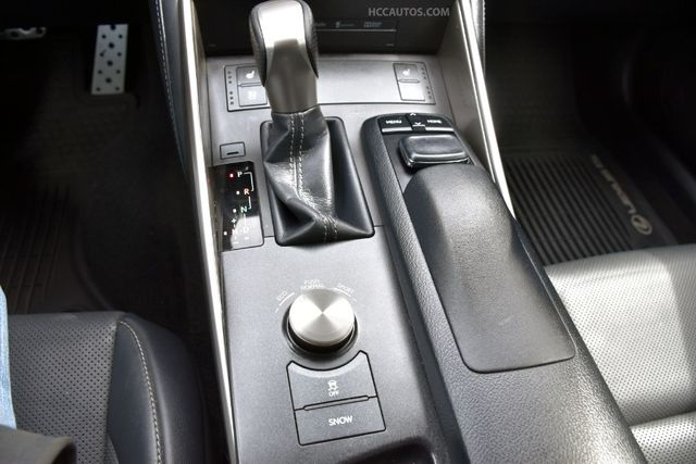 2015 Lexus IS 250 4dr Sport Sdn AWD Waterbury, Connecticut 35