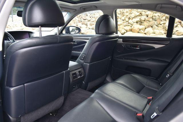 2015 Lexus LS 460 Naugatuck, Connecticut 12