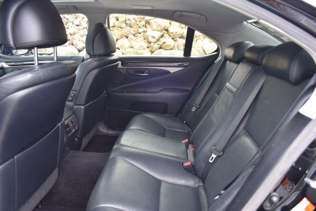 2015 Lexus LS 460 Naugatuck, Connecticut 13
