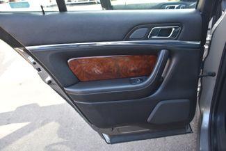 2015 Lincoln MKS 4dr Sdn 3.7L AWD Waterbury, Connecticut 28