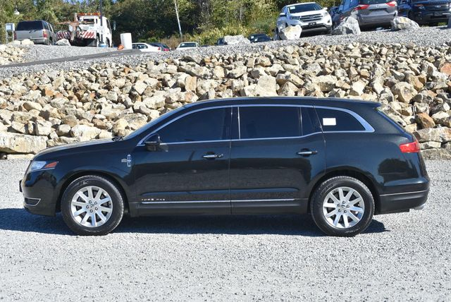 2015 Lincoln MKT Naugatuck, Connecticut 1