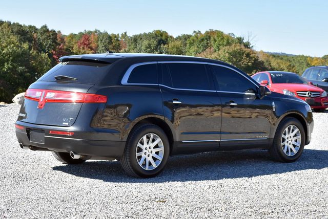 2015 Lincoln MKT Naugatuck, Connecticut 4