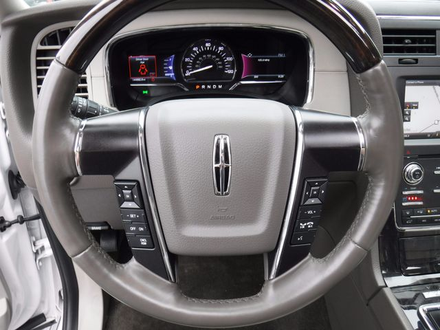 2015 Lincoln Navigator 4X4 in Gower Missouri, 64454