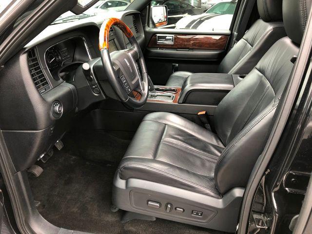 2015 Lincoln Navigator 4X4 in Gower Missouri, 64454