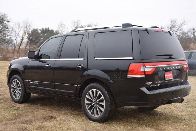 2015 Lincoln Navigator in Marble Falls, TX 78654