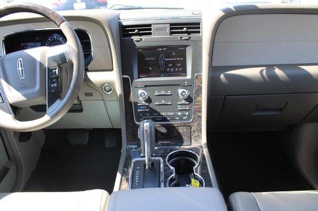 2015 Lincoln Navigator St. Louis, Missouri 13