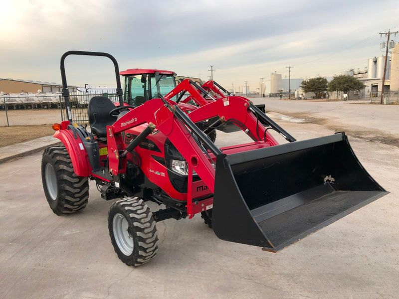 2015 Mahindra 1533 4X4   city TX  North Texas Equipment  in Fort Worth, TX