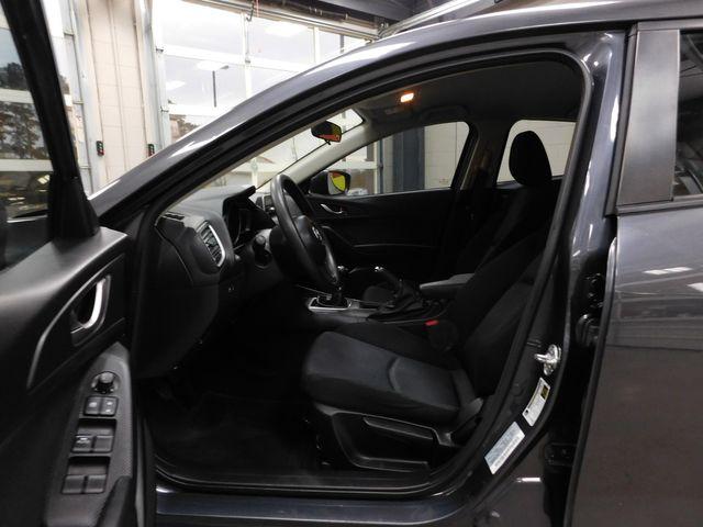 2015 Mazda Mazda3 i SV in Airport Motor Mile ( Metro Knoxville ), TN 37777
