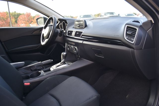 2015 Mazda Mazda3 i SV Naugatuck, Connecticut 1