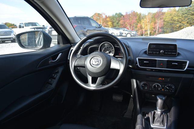 2015 Mazda Mazda3 i SV Naugatuck, Connecticut 3