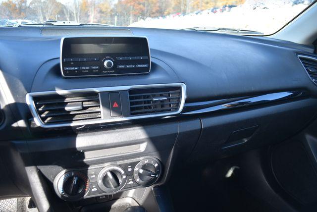 2015 Mazda Mazda3 i SV Naugatuck, Connecticut 16
