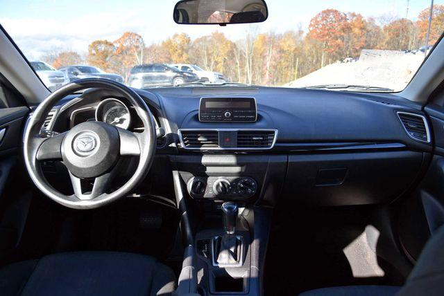 2015 Mazda Mazda3 i SV Naugatuck, Connecticut 11