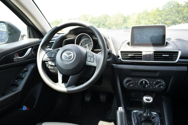 2015 Mazda Mazda3 i Sport Naugatuck, Connecticut 11