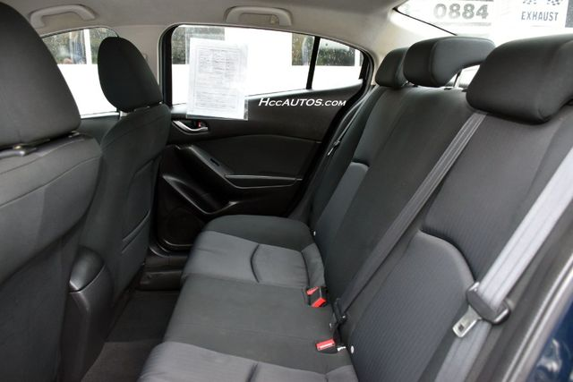 2015 Mazda Mazda3 i SV Waterbury, Connecticut 12