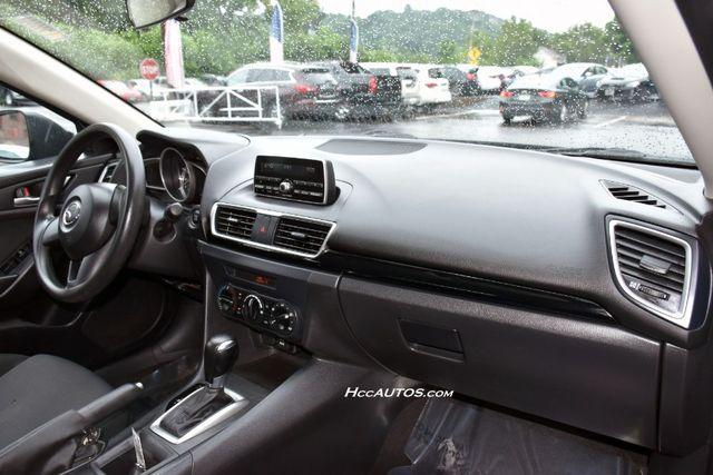 2015 Mazda Mazda3 i SV Waterbury, Connecticut 15