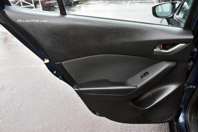 2015 Mazda Mazda3 i SV Waterbury, Connecticut 18