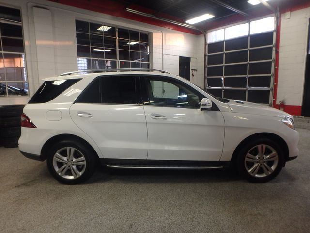2015 Mercedes Ml350, FLAWLESS, SERVICED, AND LOADED UP!~ Saint Louis Park, MN 1