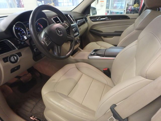 2015 Mercedes Ml350, FLAWLESS, SERVICED, AND LOADED UP!~ Saint Louis Park, MN 2