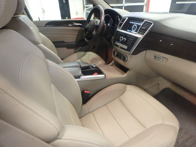 2015 Mercedes Ml350, FLAWLESS, SERVICED, AND LOADED UP!~ Saint Louis Park, MN 27