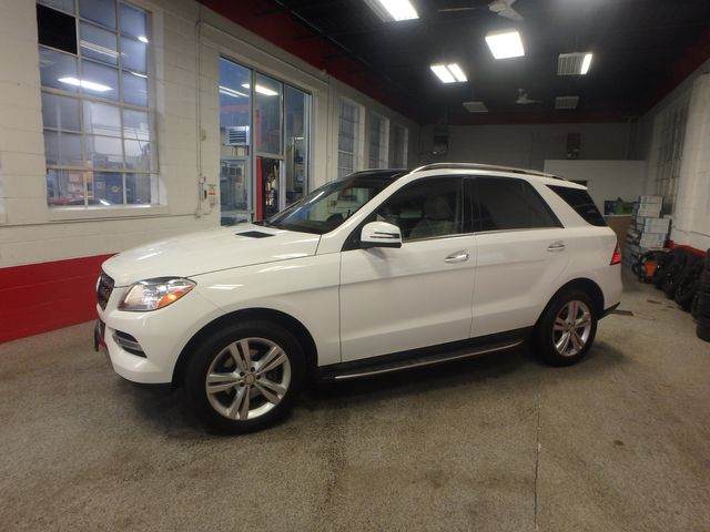 2015 Mercedes Ml350, FLAWLESS, SERVICED, AND LOADED UP!~ Saint Louis Park, MN 39
