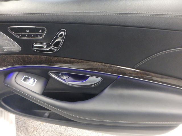 2015 Mercedes S-550 4-Matic READY TO IMPRESS, STUNNING MACHINE Saint Louis Park, MN 32