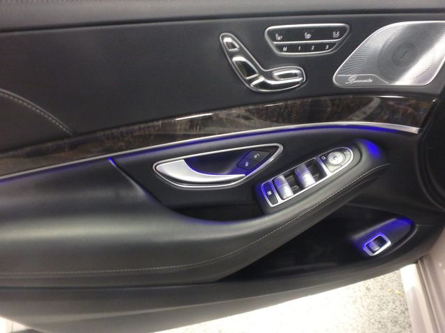 2015 Mercedes S-550 4-Matic READY TO IMPRESS, STUNNING MACHINE Saint Louis Park, MN 3