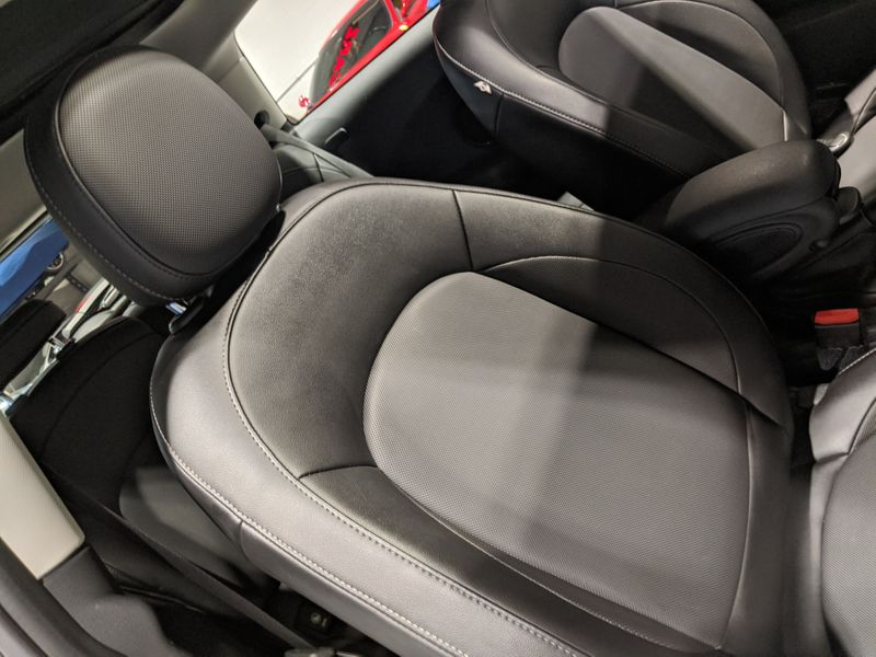 2015 Mini COOPER Hardtop 2 Door  Lake Forest IL  Executive Motor Carz  in Lake Forest, IL