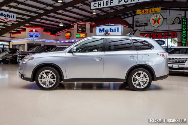 2015 Mitsubishi Outlander SE in Addison Texas, 75001