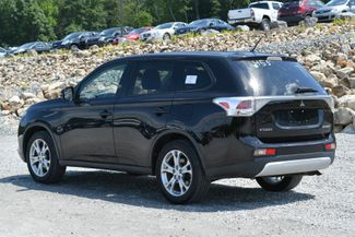 2015 Mitsubishi Outlander SE Naugatuck, Connecticut 2