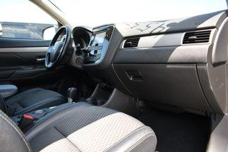 2015 Mitsubishi Outlander SE Naugatuck, Connecticut 8