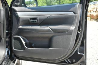 2015 Mitsubishi Outlander SE Naugatuck, Connecticut 9