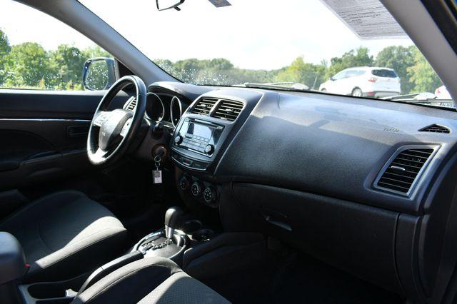 2015 Mitsubishi Outlander Sport ES 4WD Naugatuck, Connecticut 11