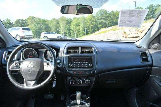 2015 Mitsubishi Outlander Sport ES 4WD Naugatuck, Connecticut 19