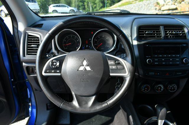 2015 Mitsubishi Outlander Sport ES 4WD Naugatuck, Connecticut 23