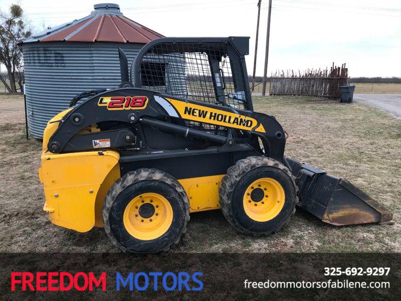 2015 New Holland L218 Skid Steer/ Loader | Abilene, Texas | Freedom Motors  in Abilene Texas