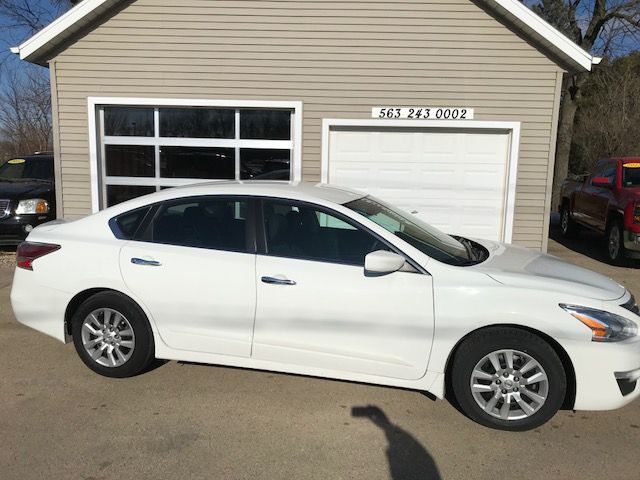 2015 Nissan Altima 2.5 S in Clinton, IA 52732