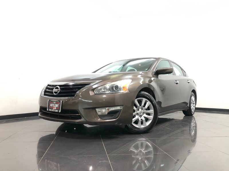 2015 Nissan Altima *Drive TODAY & Make PAYMENTS* | The Auto Cave in Dallas