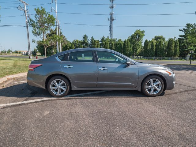 2015 Nissan Altima 2.5 SV with a 6 month 6000 miles warranty Maple Grove, Minnesota 9