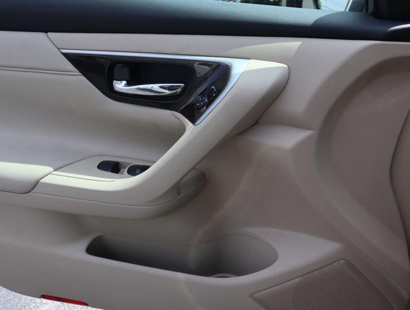 2015 Nissan Altima 25 SL  in Maryville, TN