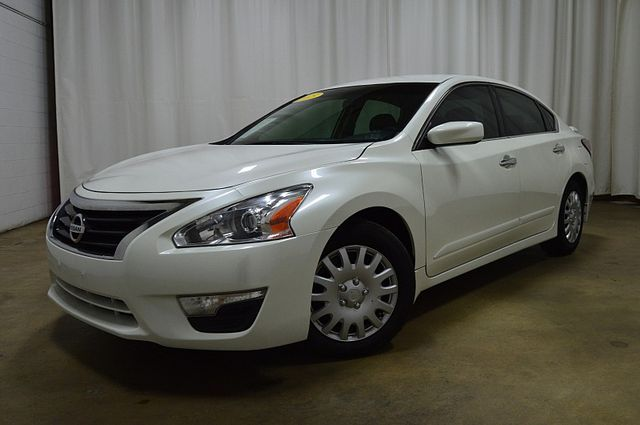 2015 Nissan Altima 2.5 S in Merrillville IN, 46410