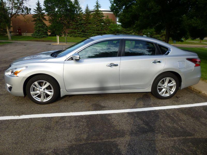 2015 Nissan Altima 25 SL  LOADED W OPTIONS   in Minnetonka, Minnesota