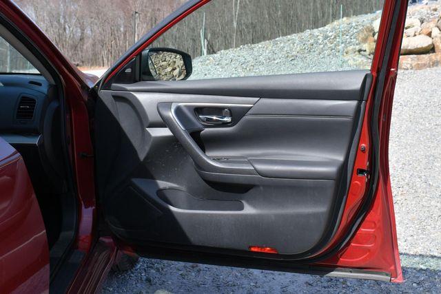 2015 Nissan Altima 2.5 SV Naugatuck, Connecticut 12