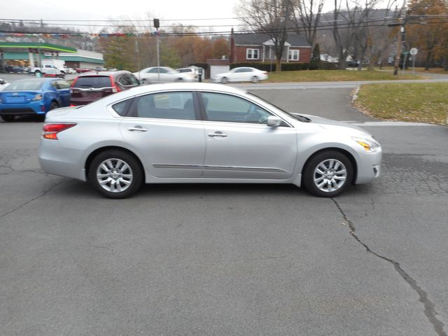 2015 Nissan Altima 2.5 S in New Windsor, New York 12553